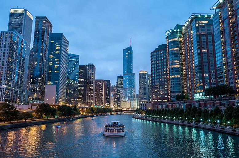 Ferry on the Chicago River, Chicago, USA.